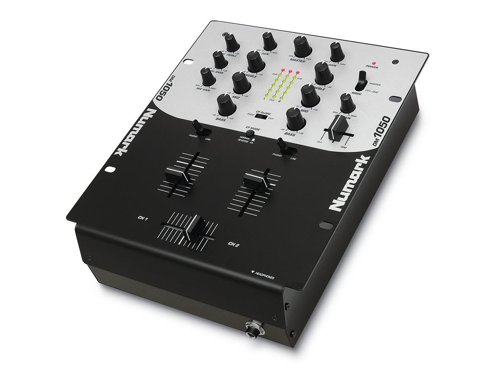 DJ-микшеры Numark DM 1050
