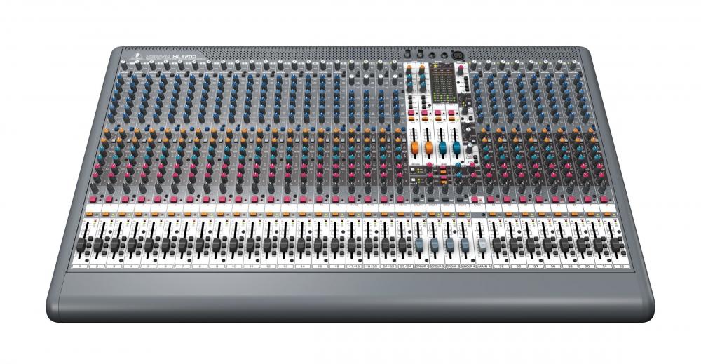 Микшерные пульты Behringer Xenyx XL 3200