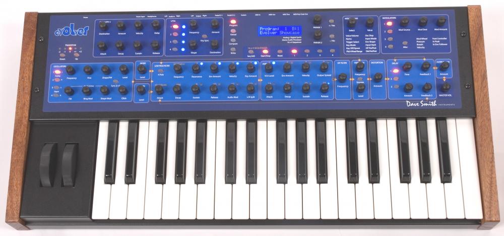 Синтезаторы и рабочие станции Dave Smith Instruments Mono Evolver PE Keyboard