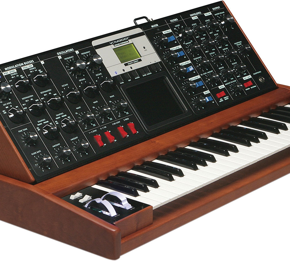 Синтезаторы и рабочие станции Moog Voyager Lunar Cherry