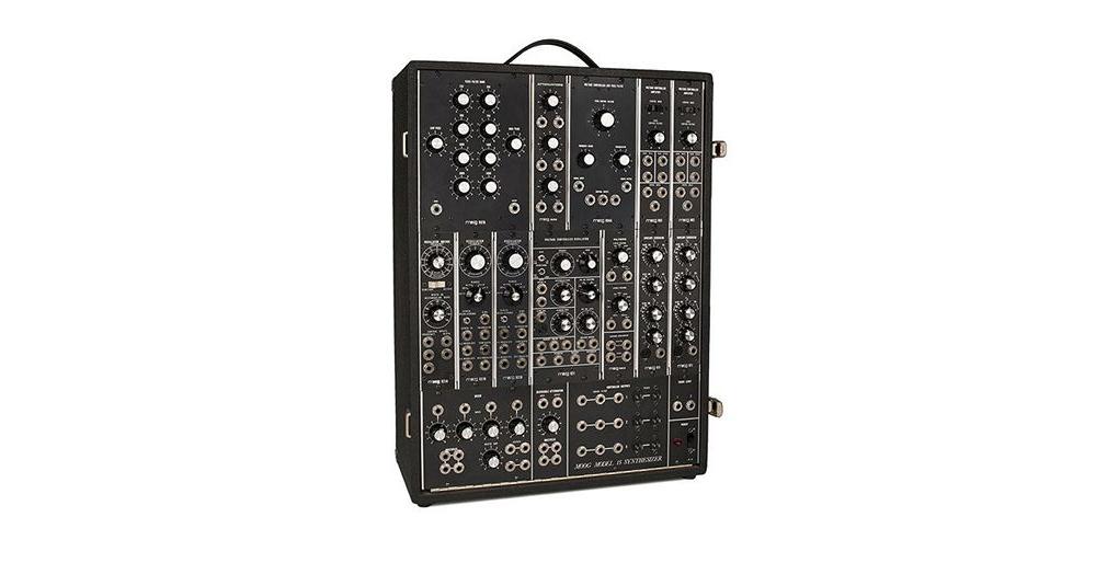 Синтезаторы и рабочие станции Moog Model 15