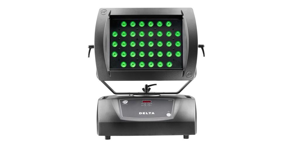 Светодиодные приборы заливающего света DTS DELTA FULL COLOUR B