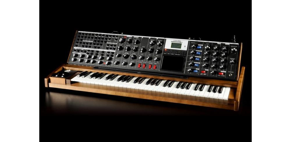 Синтезаторы и рабочие станции Moog Minimoog Voyager XL