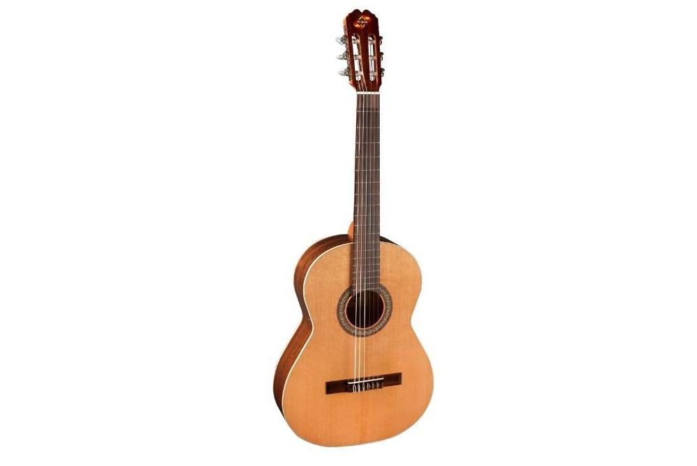 Акустические гитары ADMIRA MONICA